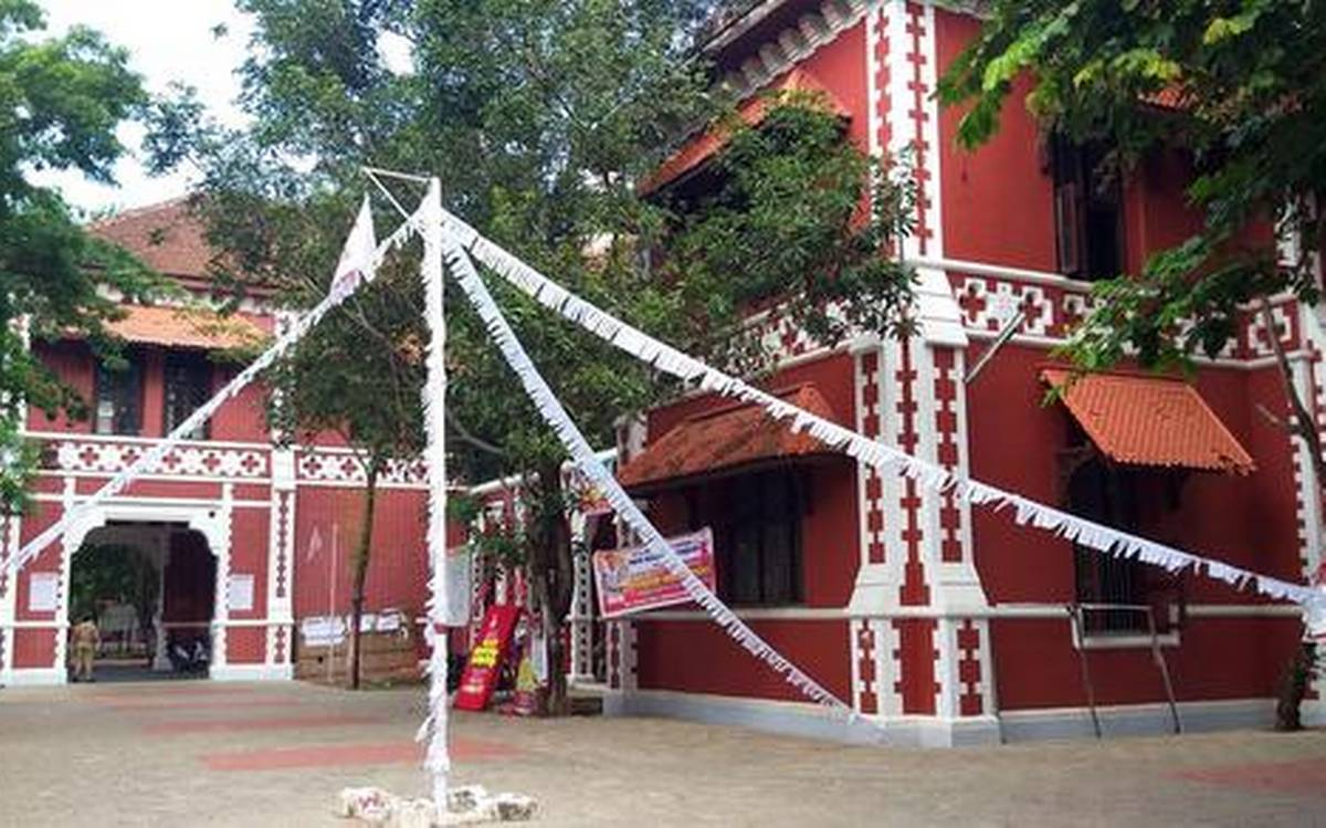 സംസ്ഥാനത്ത് കോളജ് അധ്യയന വര്ഷം ആരംഭിക്കുന്നു