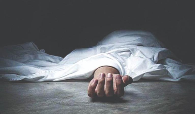 വീട്ടുകാര് ആറുമാസം പൂട്ടിയിട്ട 25കാരി മരിച്ചു; പൊലീസ് കണ്ടെത്തിയത് വായില് നിന്ന് നുരവന്ന അവസ്ഥയില്
