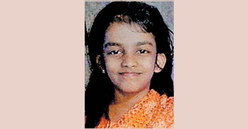 കളിക്കുന്നതിനിടെ ഷാള് കഴുത്തില് കുരുങ്ങി നാലാം ക്ലാസ് വിദ്യാര്ത്ഥിനി മരിച്ചു