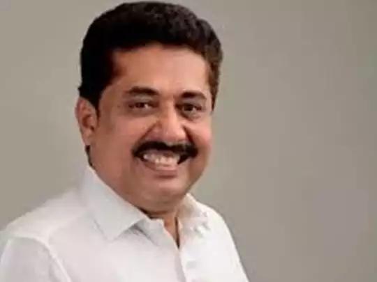 മണ്ണാര്ക്കാട് എന് ഷംസുദ്ദീന് മുന്നില്